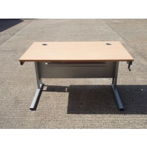 1400 Height Adjustable Desk