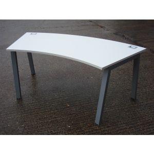 Curved White Desk 1800 x 800