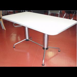 Fritz Hansen Table 1380 x 780