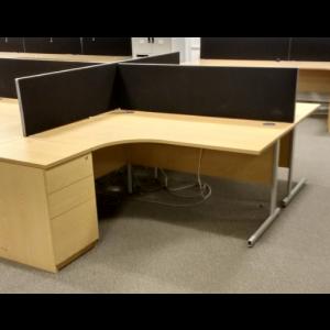 Oak 1600 x 1200 Workstation with Desk High Pedestal