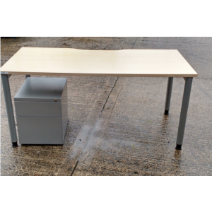 Maple Steelcase 1600 x 800 Desk & Mobile Pedestal