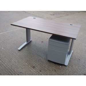 Walnut 1400 x 800 Desk and Pedestal