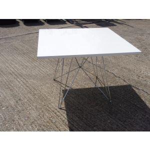 White 1000 Sq Table
