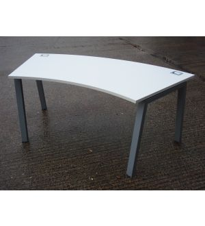 Curved White Desk 1800 x 800