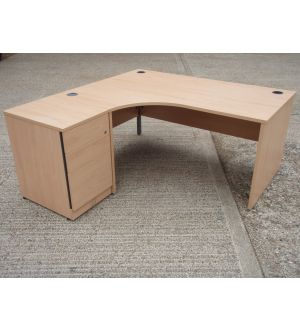 Light Beech Workstation with DHP 1600 x 1600