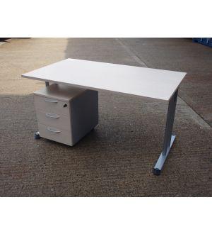 Maple 1400 x 800 desk & mobile Pedestal