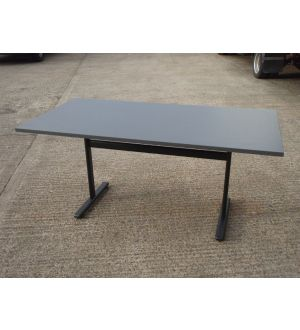 Vivanti Fliptop Tables