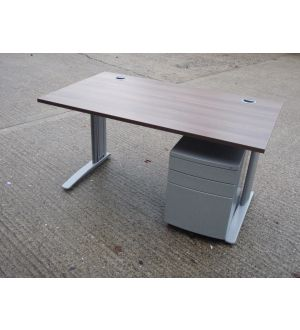 Walnut 1400 x 800 Desk and Pedestal