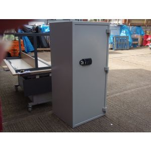 Large Combination Safe
