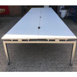 White & Silver Frame 8 User Bench System