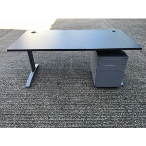 Dark Grey 1600 x 800 FT2 Desk
