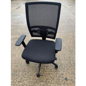 Highback Mesh Operator Chair