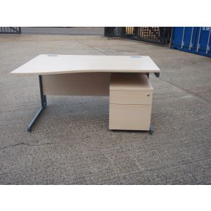 Maple 1400 Wave Desk and Pedestal