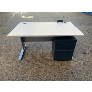 Maple 1400x800 Desk & Pedestal