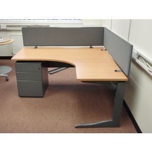 Steelcase 1600 Work Station with Mobile Pedestal