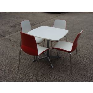 Four Connection Chairs and Table