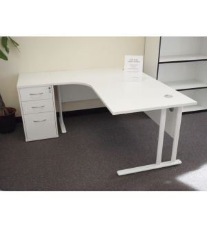 TC Crescent Cantilever 1600 Workstation and Desk High Pedestal