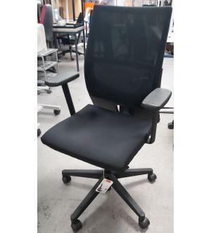 Comforto 39 Mesh Back Chair