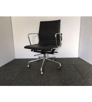 Italian Ribbed Desk Chair