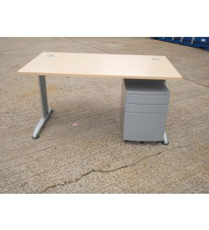 Maple 1400 x 800 Desk with Pedestal
