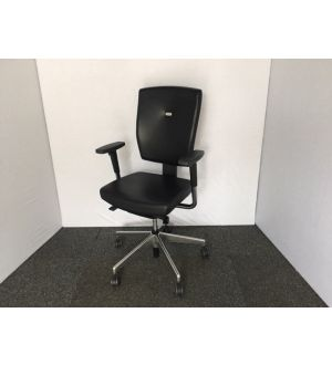 Senator Sprint Black Leather Operator Chair