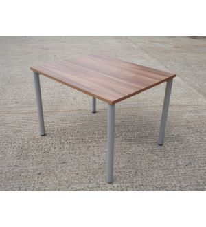 Walnut Table 1000 x 800