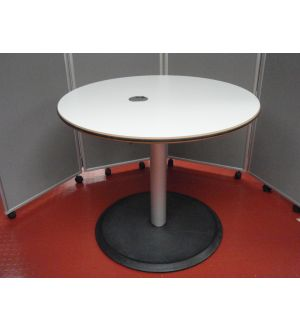 Wilkhahn 900 Dia Table
